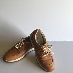 Women's Rockports Tan Shoes Size 7.5